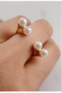 Pearls Gold Metal Vintage Finger Ring
